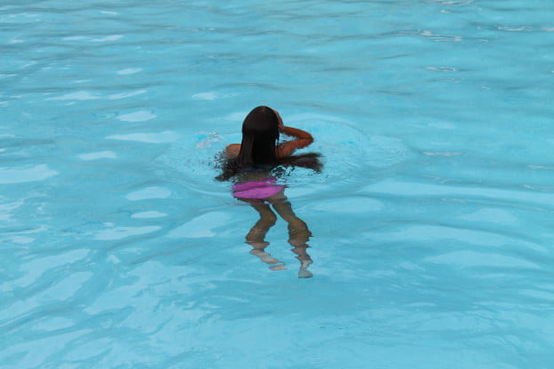 Canon EOS Rebel T3 sample photo: Swimmer