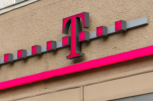 t mobile gives unlimited data customers refer sprint store logo