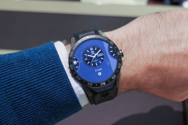 tag heuer  smartwatch news carrera connected hands on review