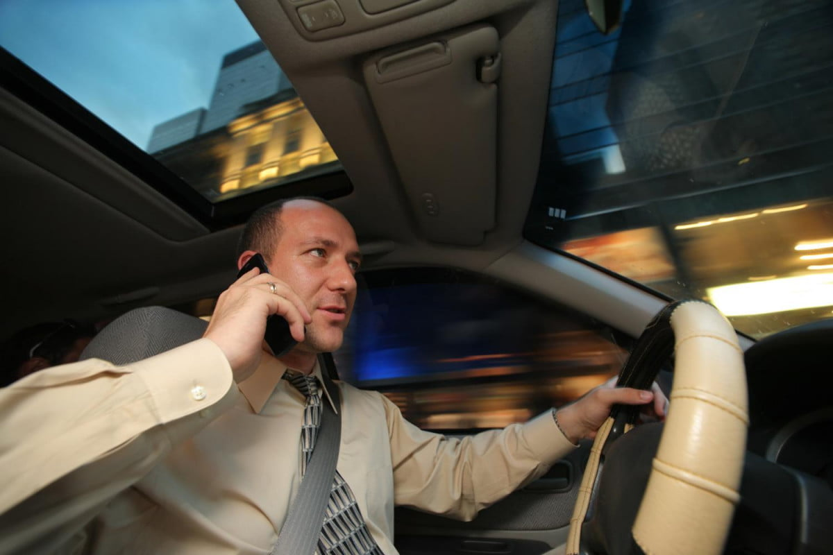 Talking-on-phone-and-Driving