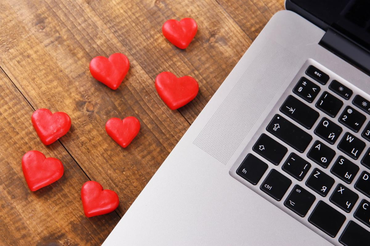research reveals twitter reddit communication apps influence romance technology love