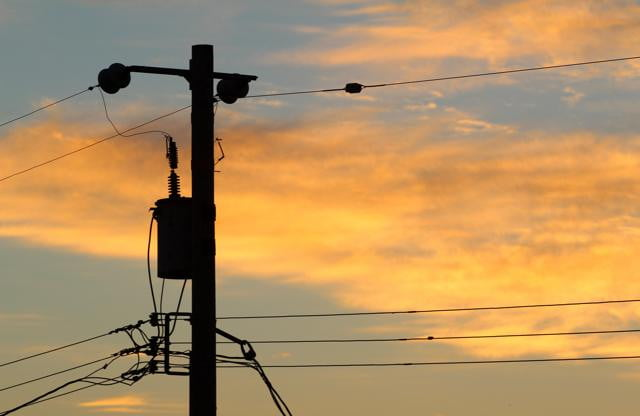 says dsl dead new gigabit standard become available next year telephonepole