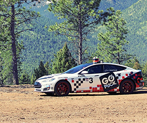 Tesla Model S tackles Pikes Peak, setting a new record in the process