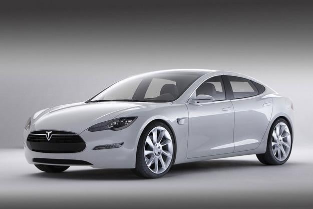 Tesla-Model-S-rounding-the-corner,-set-to-hit-initial-July-delivery-dates