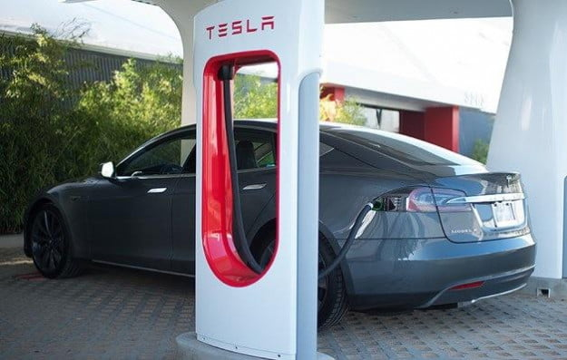 tesla-model-s-supercharger-628