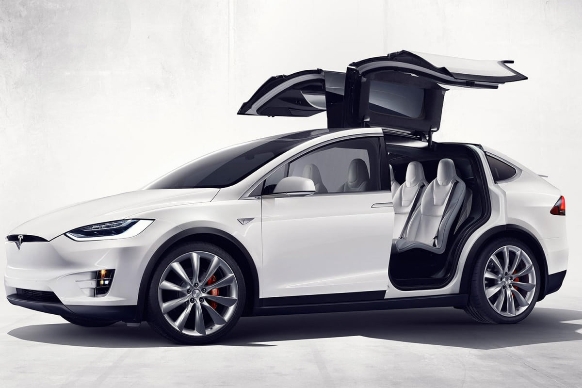 tesla sues over falcon doors model x