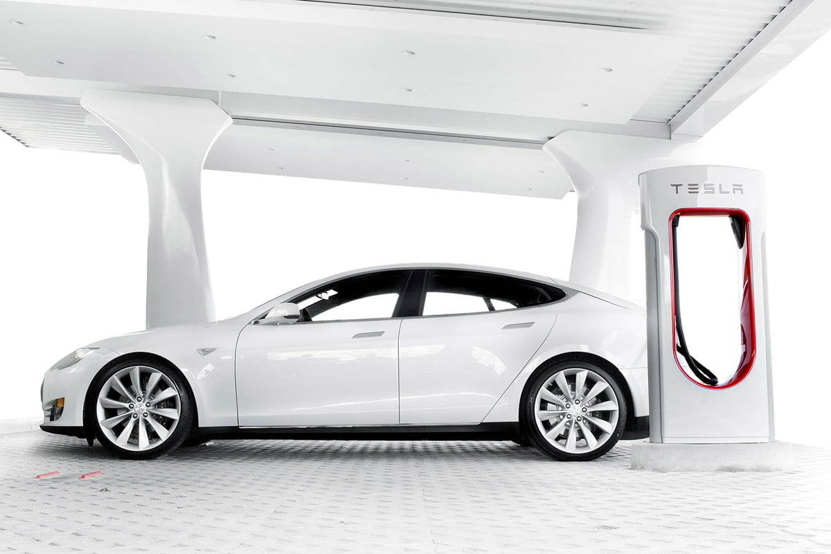 tesla owners complain of overcrowded supercharger stations