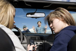 Texting-driving-shutterstock