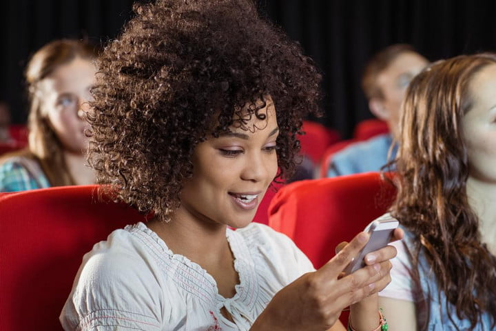 Texting-in-movie-theater