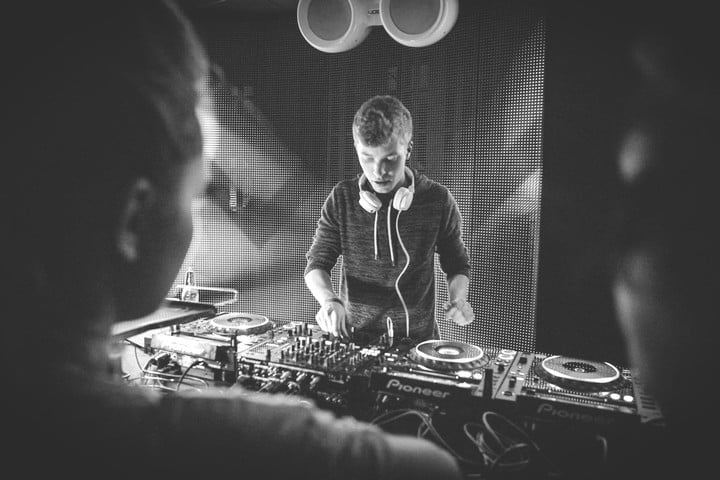 german dj lcaw on soundcloud spotify vinyl and more the audiophile