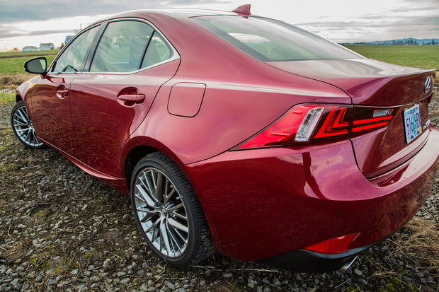 2015-Lexus-IS250-back-angle-2