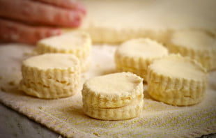 inaugural natchez biscuit festival butter biscuits