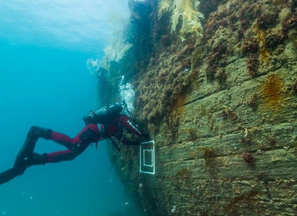diver at wreck of the HMS Erebus