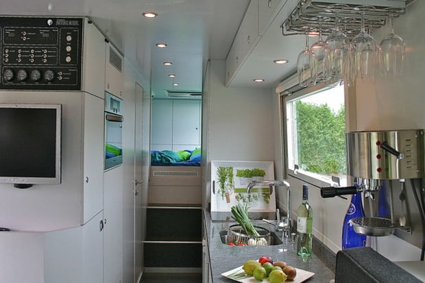 Globecruiser-Motor-Home-interior-1