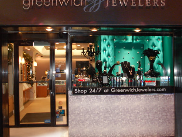 GREENWICHoutside_store