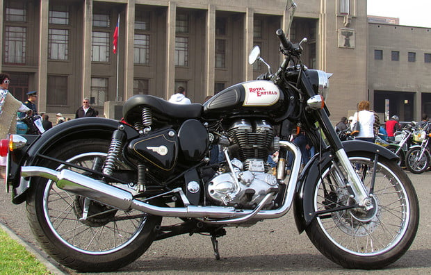 Royal_Enfield_Bullet_500_Classic 2
