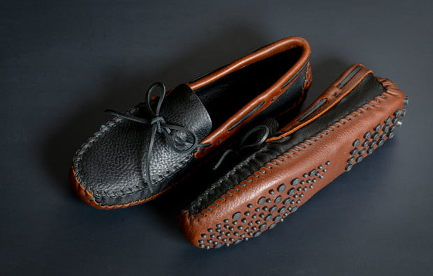minnetonka moccasin driving shoes