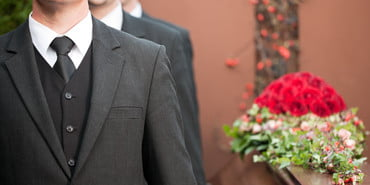 Stock-What-to-Wear-to-a-Funeral-Post, what to wear to a funeral
