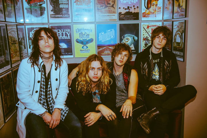 interview the struts embrace streaming thestruts fb