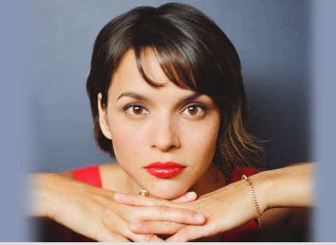Norah Jones (EMI + Hulu)