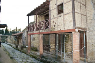 Timber Wood Frame House Vesuvius