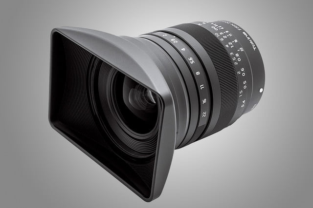 tokina firin  mm lens introduced