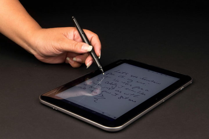 Toshiba ExciteWrite writing on tablet