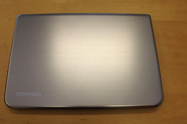 toshiba-satellite-E45t-cover