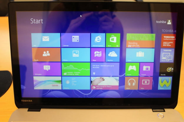 toshiba-satellite-E45t-display