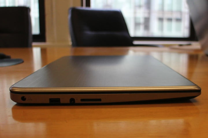 toshiba satellite e  t review left table