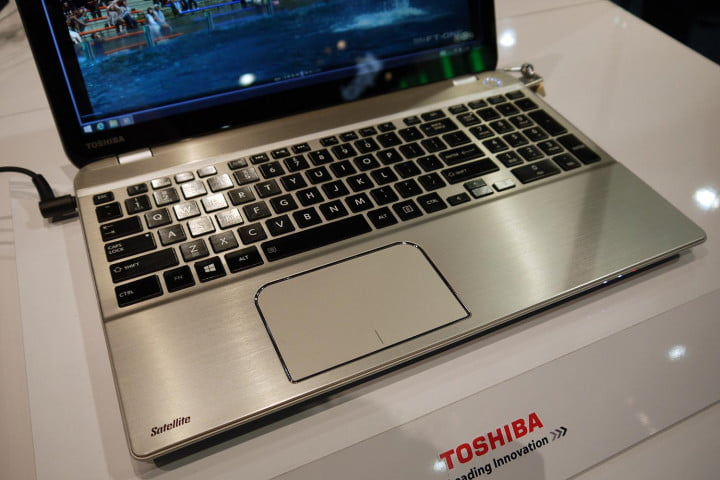 toshiba satellite p  t review hands on keyboard macro