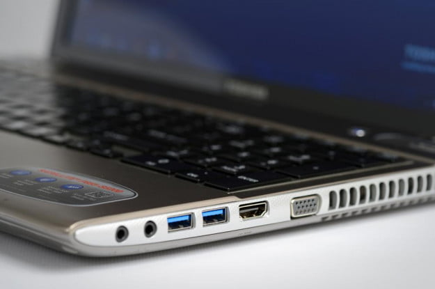 Toshiba Satellite P855 review ports