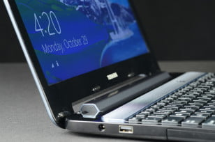 Toshiba Satellite S955 review side view