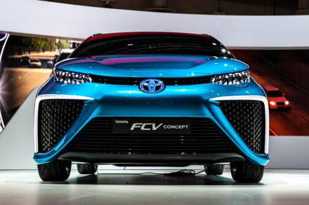 toyota-fuel-cell-vehicle-1