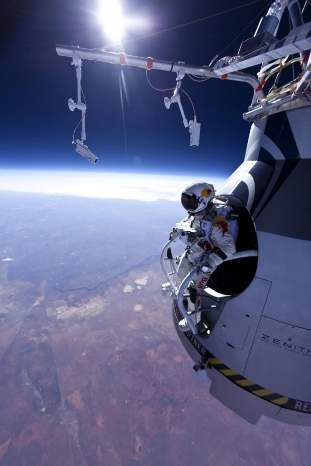 red bull stratos skydiving space