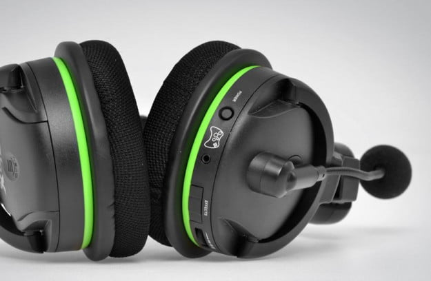Turtle Beach Earforce X42 headset review bottom buttons