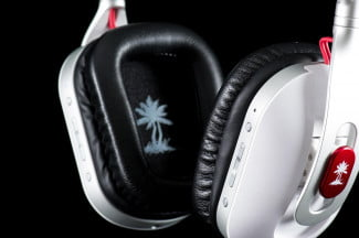 Turtle Beach i60 review headphones front macro buttons