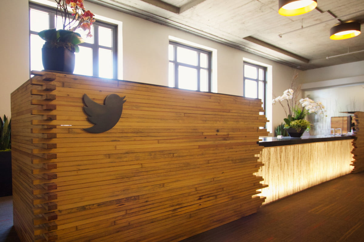 twitter is halting tweetdeck for windows support in mid april headquarters
