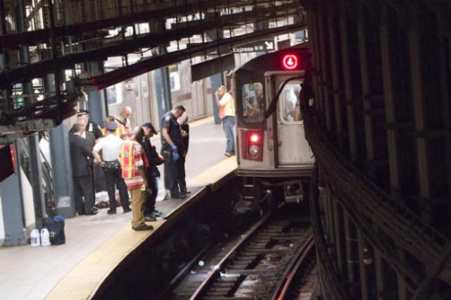 woman crushed by train in nyc tablet union square