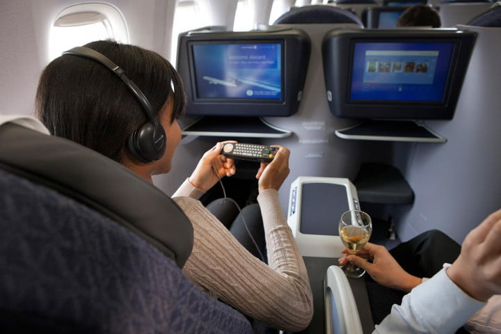 airline tech savvy united airlines directv