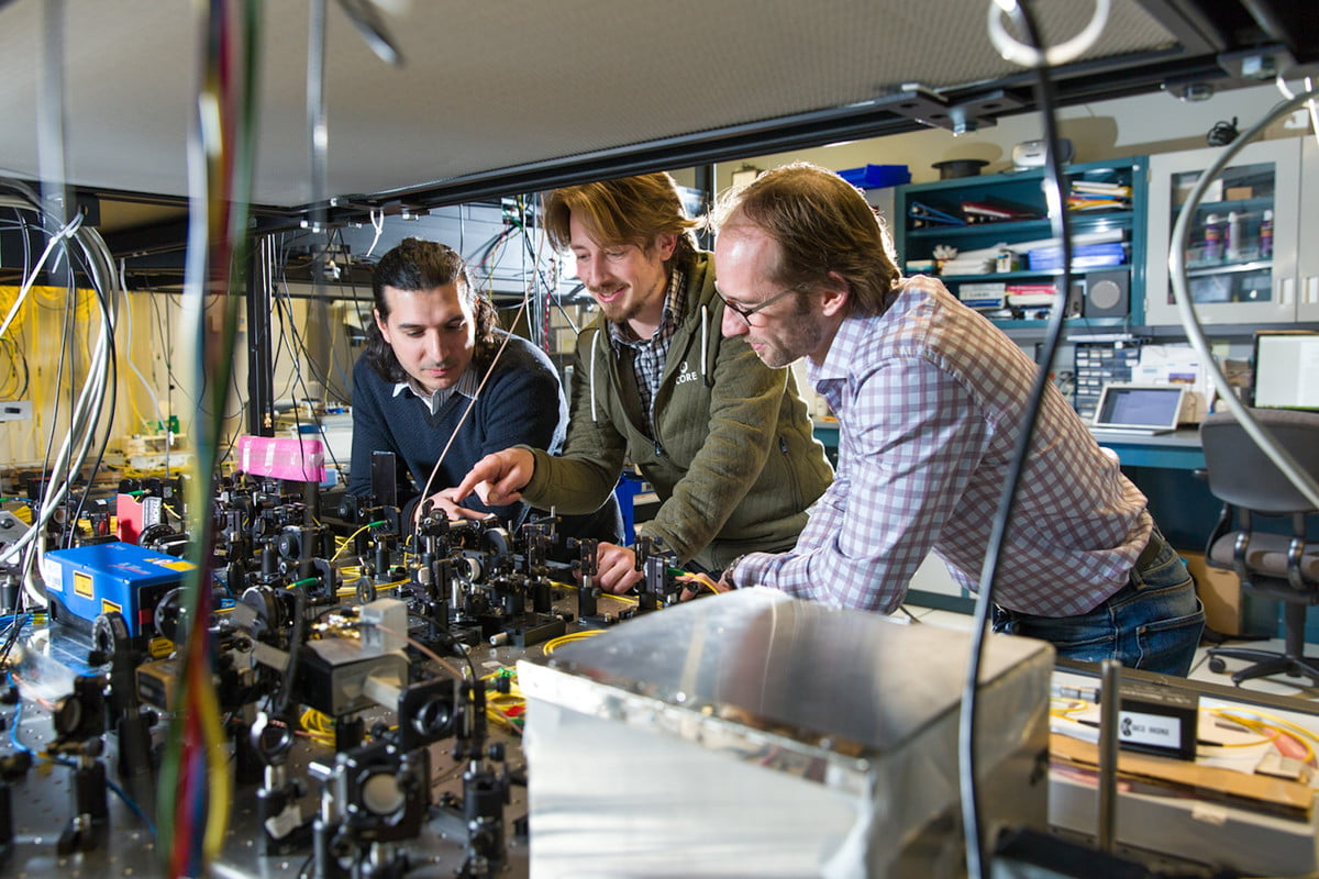 transporter teleport entangled photons wolfgang tittel calgary university of