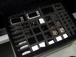 vertu-tour-phone-components