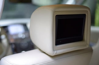 2013 Infiniti QX562013 interior rear entertainment