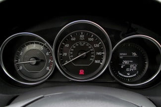 2014-Mazda6-i-Touring-review-speedometer