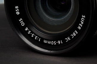 Fujifilm-X-M1-lower-lens