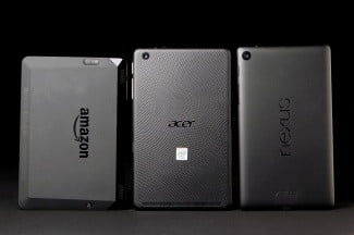 ACER Iconic ONE 7 back comparison