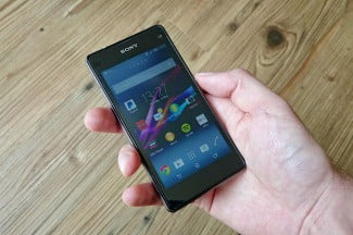 Sony Xperia Z1 Compact hands on front