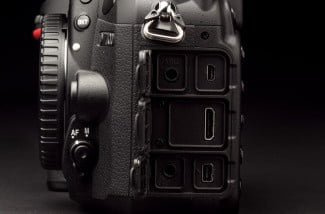 Nikon-7100-review-ports-open