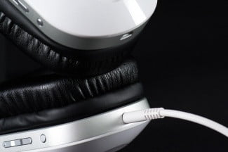 Turtle Beach i30 review headphones buttons cord