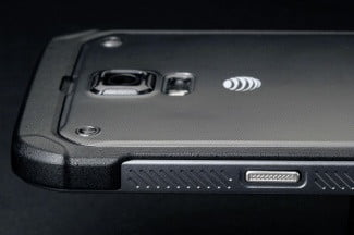 Samsung Galaxy S5 Active top back left